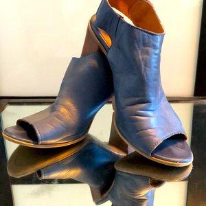 """Bueno Sandals 3""""Heel"""